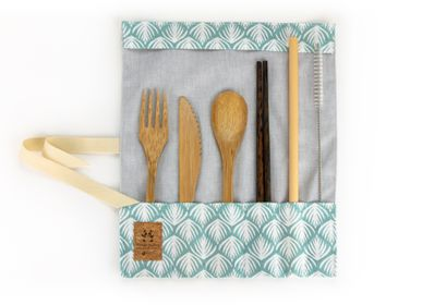 Kitchen utensils - Hand-sewn pouch with natural cutlery in bamboo or coconut wood - PANDA PAILLES