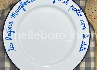 Assiettes au quotidien - Plat LA REGINA MARGHERITA MANGIA IL POLLO AVEC LE DITA - HELLEBORO.HOMEDECOR