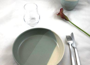 Assiettes au quotidien - Assiette Creuse en grès Diamètre 22 cm - LES POTERIES DE SWANE