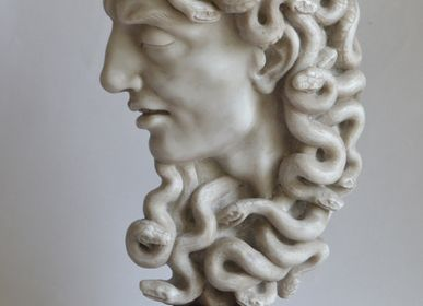 "Sculptures, statuettes and miniatures - Marble ""Medusa"" Head - TODINI SCULTURE"