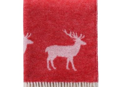 Throw blankets - Red Deer Throw - J.J. TEXTILE LTD
