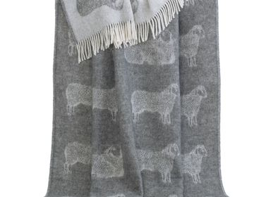 Throw blankets - Sheep Throw - J.J. TEXTILE LTD