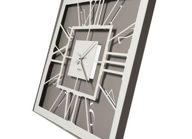 Clocks - Square design wall clock Tauro - ARTI E MESTIERI