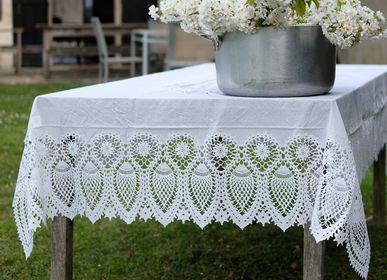 Garden textiles - vinyl tablecloths with lace - FIORIRA UN GIARDINO SRL