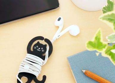 Cadeaux - Earphone Buddy  cable holder - SUGAI WORLD