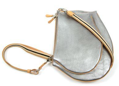 Sacs et cabas - Pochette bandoulière - Zip XL - Cuir gris métallisé avec bandoulière ajustable et amovible - MLS-MARIELAURENCESTEVIGNY