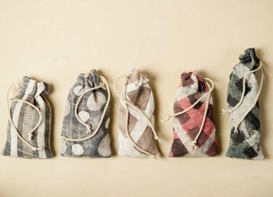 Stools for hospitalities & contracts - ARTEADDOSSO hemp gauze bag with lavander  - XENIA TURCHETTI