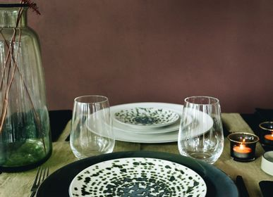 Assiettes de réception - Assiette de présentation Bronze en céramique noire - REVOL