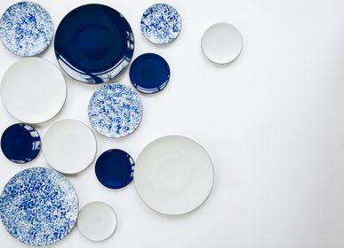 Assiettes de réception - Assiette de présentation Bleu Nuit en céramique noire - REVOL