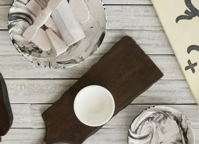 Decorative objects - CELESTIAL ARTS Live edge wooden chopping board  - KINDRED DESIGN COLLECTIVE HOME