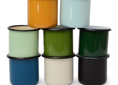 Outdoor decorative accessories - enamel cup/ mug emaille, 0,4l - OK-INTERNATIONAL