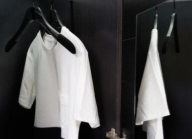 Homewear - Collection de cintres pour le dressing de monsieur et madame – coloris noir, bois brossé - MON CINTRE