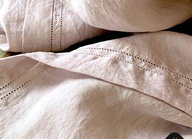 Linge de table textile - NAPPES ARTISANALES BRODÉES EN LIN LAVÉ («PIERRE LAVÉE») - MAISON GALA