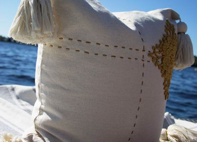 Cushions - MORNING SKY-CLOSE UP - E-SHAPED