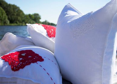 Cushions - SHY LOVE STORY - E-SHAPED