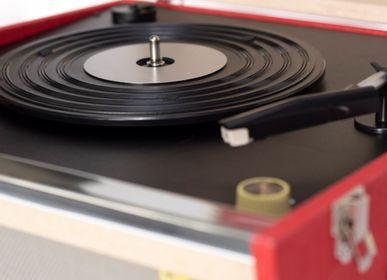 Speakers and radios - Crosley Bermuda Bluetooth Record Player  - CROSLEY RADIO