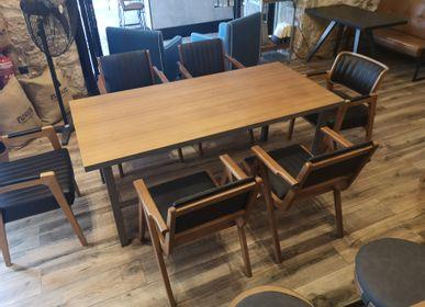 Tables Salle à Manger - Table avec plateau en noyer africain et base en acier Π - LIVING MEDITERANEO