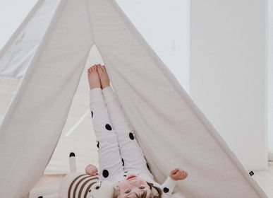 Toys - Play Tent - Our spacious play tent in a neutral colour is big enough for friends and even parents. It can even be used indoors and outdoors. - OOH NOO