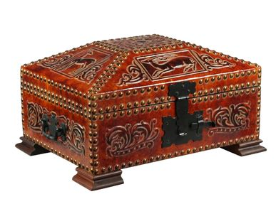 Caskets and boxes - Leather chest Maryam - MERYAN