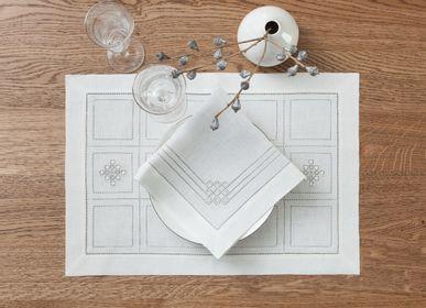 Table linen - Placemat set 50 * 35 cm 2 pcs. White linen collection - KRESTETSKAYA STROCHKA