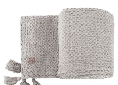 Decorative objects - BEDA linen waffle bed cover, 150 x 250 cm - XERALIVING
