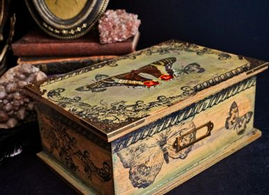 Caskets and boxes - Vintage Circus Butterfly Box - ATELIER TAMBONE