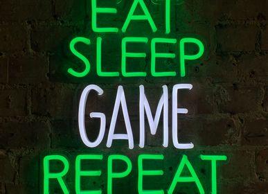 Éclairage LED - ENSEIGNE MURALE «EAT SLEEP GAME REPEAT» À LED FLUO VERTE ET BLANCHE - LOCOMOCEAN