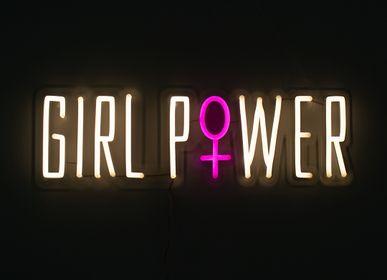 Éclairage LED - PANNEAU MURAL À LED FLUO BLANC CHAUD «GIRL POWER» - LOCOMOCEAN