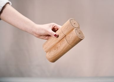 Spice grinders - P-Salt & S-Pepper (Magnetic spice grinders) - CLAP DESIGN