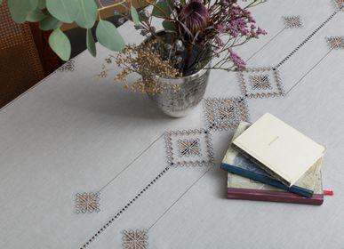 Table linen - Tablecloth 220 * 150 cm and 320 * 170 cm. Sank-Petersburg collection - KRESTETSKAYA STROCHKA