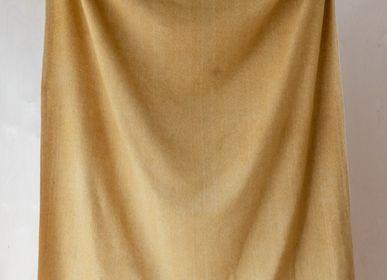 Plaids - Couverture en laine recyclée en moutarde à chevrons - THE TARTAN BLANKET CO.