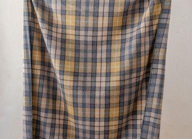 Plaids - Couverture en laine recyclée en tartan naturel Buchanan - THE TARTAN BLANKET CO.