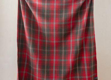 Plaids - Couverture en laine recyclée en tartan d'érable foncé - THE TARTAN BLANKET CO.
