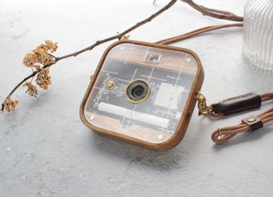 Travel accessories - Paper Shoot will be the most simple but functionally whole camera in the market. We aim to give owners of Paper Shoot an experience more than surprise and allow them to express their high-end taste with our attentive and creative design. - PAPER SHOOT