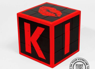 Design objects - ARTCOLLECTION MEMO KISS RED - ICONICUBE BY AROUNDTHECUBE