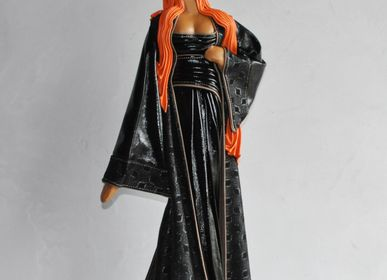Sculptures, statuettes and miniatures - Leather sculpture, woman Anthéa - ANNIE DELEMARLE