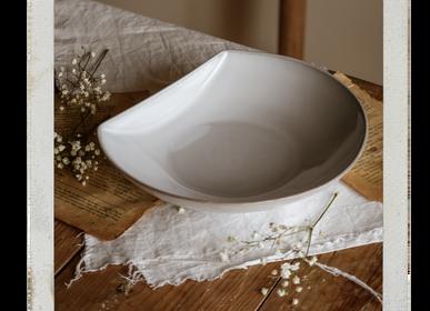 Everyday plates - MOON by Aaron Kearney - NOSSE CERAMIC STUDIO