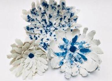 Ceramic - Fleur Papier Porcelaine blanche et bleue - GUENAELLE GRASSI