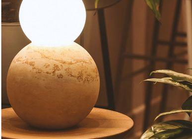 Sculptures, statuettes et miniatures - LAMPE DE TABLE GRANDE BOULE - DESIGN ROOM COLOMBIA