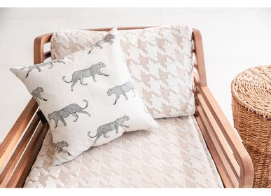Fabric cushions - Embroidery blanket and cushion - MX HOME