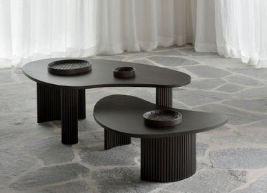 Tables basses - Table basse Boomerang en acajou marron foncé - ETHNICRAFT