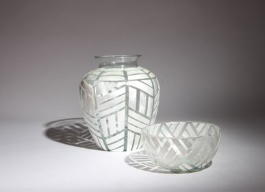 Vases - Glass and mother of pearl vase - ITHEMBA