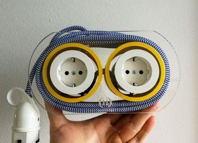 Objets design - Rallonge pour 4 prises - bleu marine et blanc (et jaune) - OH INTERIOR DESIGN