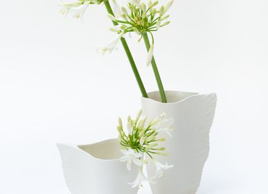 Design objects - Ving vase biscuit porcelain H=19cm, D=9cm - YLVAYA DESIGN