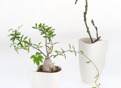 Design objects - VING vase II biscuit porcelain H=12cm, D=11cm - YLVAYA DESIGN