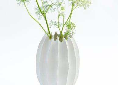 Objets design - Vase ENYA en biscuit de porcelaine H=25,5cm, D17cm - YLVAYA DESIGN