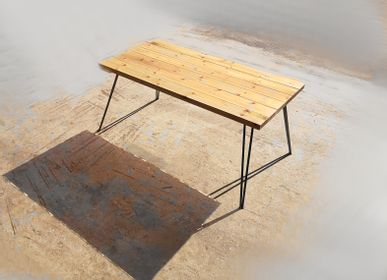Tables Salle à Manger -  Table à manger avec plateau en pin et pieds en épingles à cheveux en V - LIVING MEDITERANEO