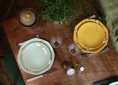 Assiettes au quotidien - La petite assiette ronde en porcelaine jaune - OGRE LA FABRIQUE