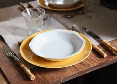 Everyday plates - The yellow porcelain round main plate - OGRE LA FABRIQUE