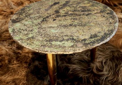 XAVIER LAVERGNE ATELIERS - Meadow table from our Bio-Stars collection, on a Norki carpet.